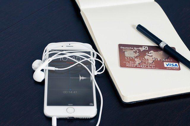 Achat e-commerce via smartphone.