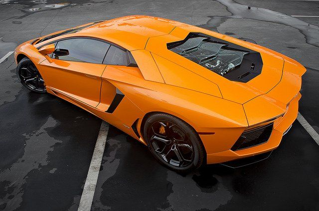 Photo d'une Lamborghini Aventador orange