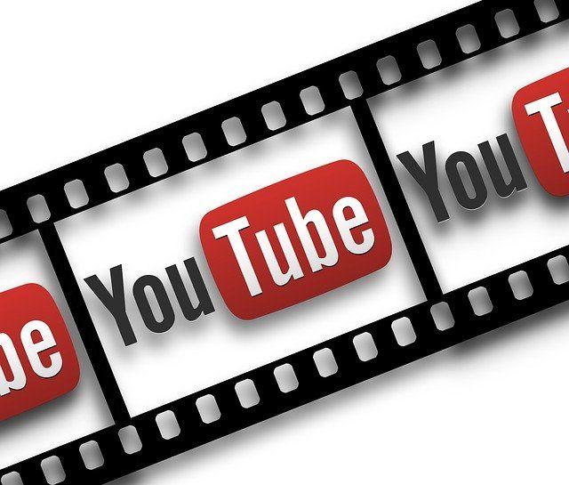 YouTube inscrit sur une pellicule de cinéma.
